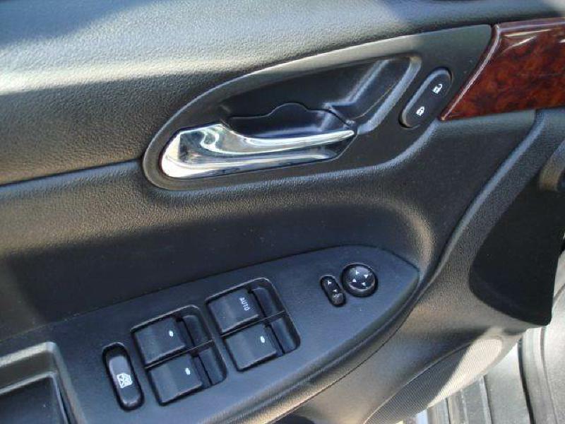 2011 Chevrolet Impala LT Fleet 4dr Sedan w/2FL - Hamilton IL