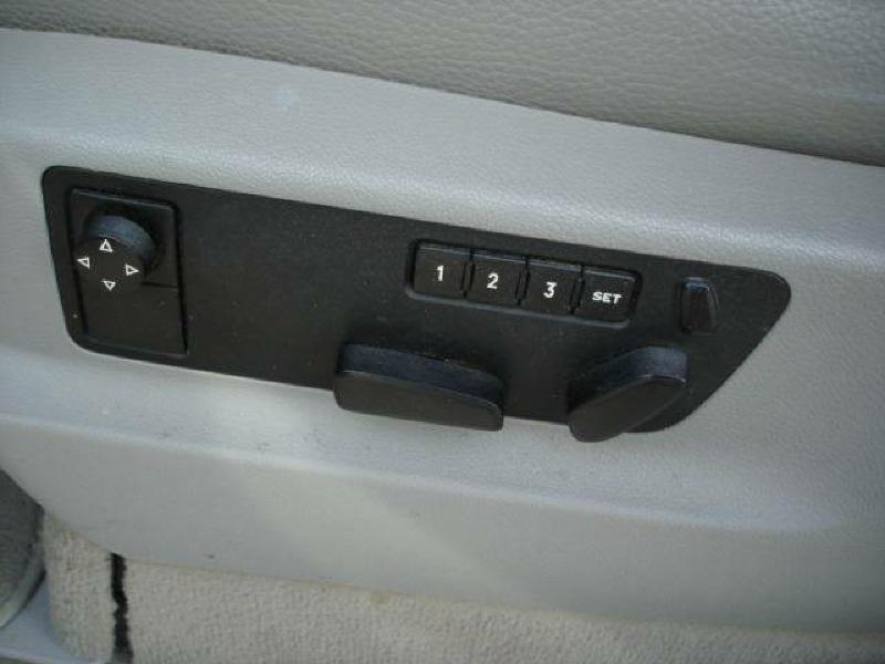 2006 Volkswagen Touareg AWD V6 4dr SUV - Hamilton IL
