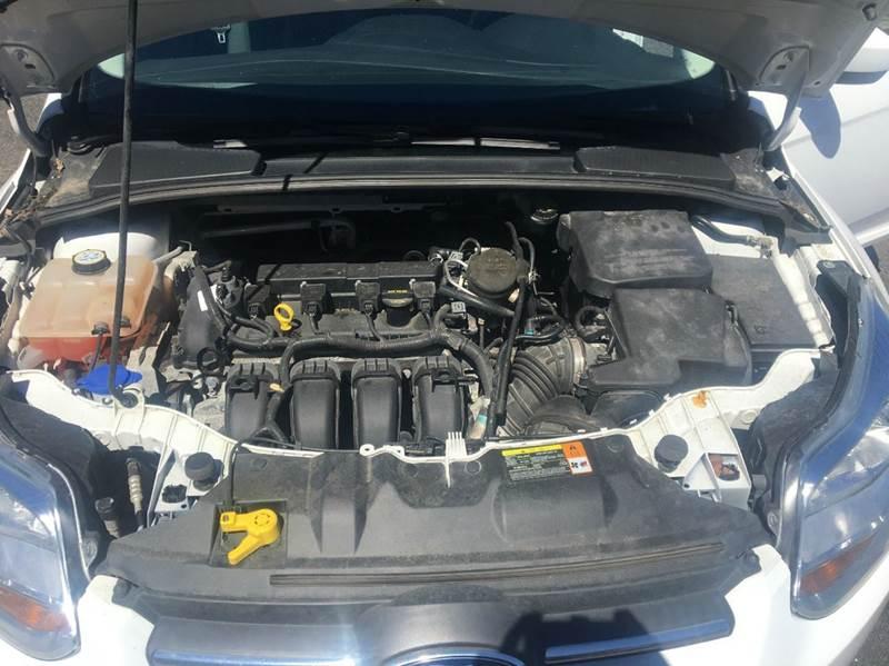 2012 Ford Focus SE 4dr Sedan - Belchertown MA