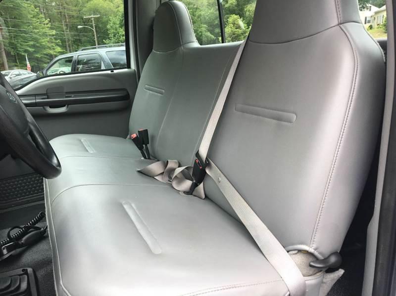 2006 Ford F-250 Super Duty XL 2dr Regular Cab 4WD LB - Belchertown MA