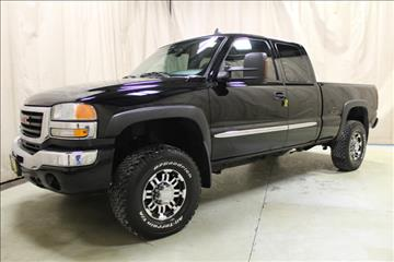 2006 GMC Sierra 2500HD for sale at AutoLand Outlets Inc in Roscoe IL