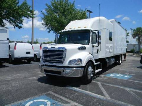 2013 Freightliner Business class M2
