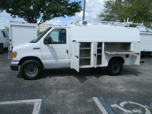 2006 Ford E-Series Chassis for sale at Longwood Truck Center Inc in Sanford FL