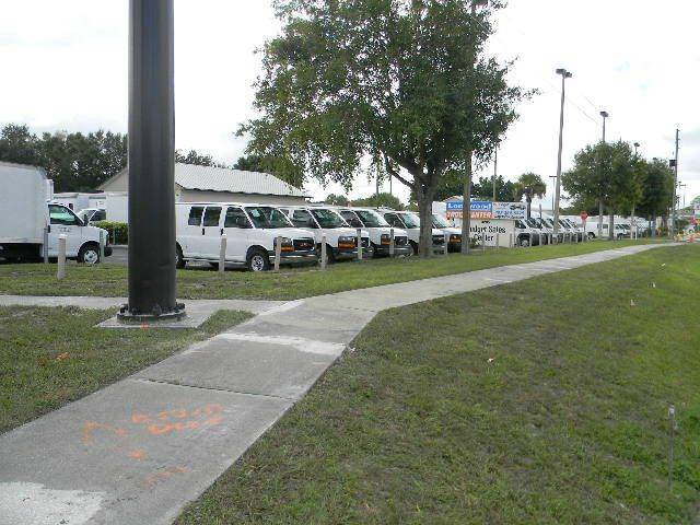 2011 Chevrolet Express Cutaway 3500 2dr 139 in. WB Cutaway Chassis w/ 1WT - Sanford FL