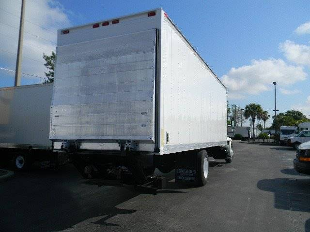 2005 International 4300  - Sanford FL
