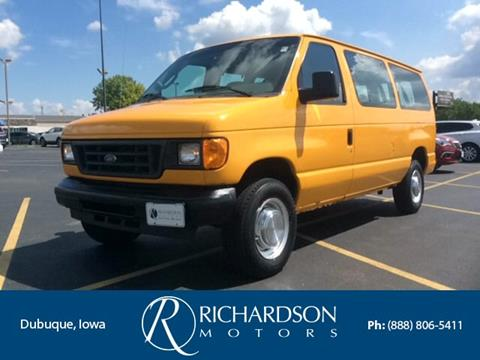 2005 Ford E-Series Wagon for sale in Dubuque, IA