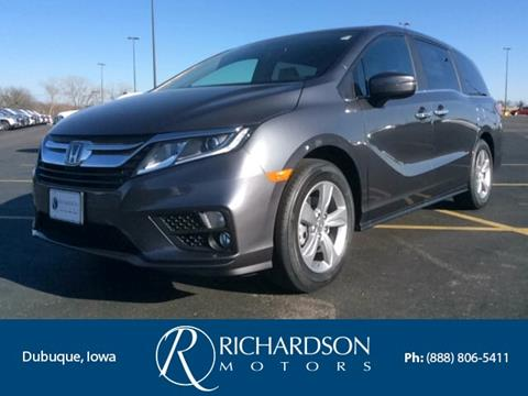 Minivans for sale in dubuque ia for Richardson motors dubuque iowa