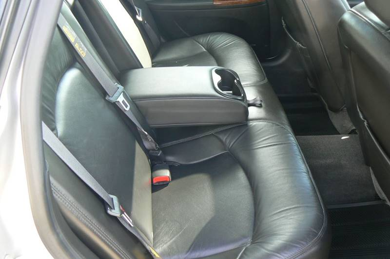2005 Buick LaCrosse CXS 4dr Sedan w/ Front and Rear Head Airbags - Fenton MI