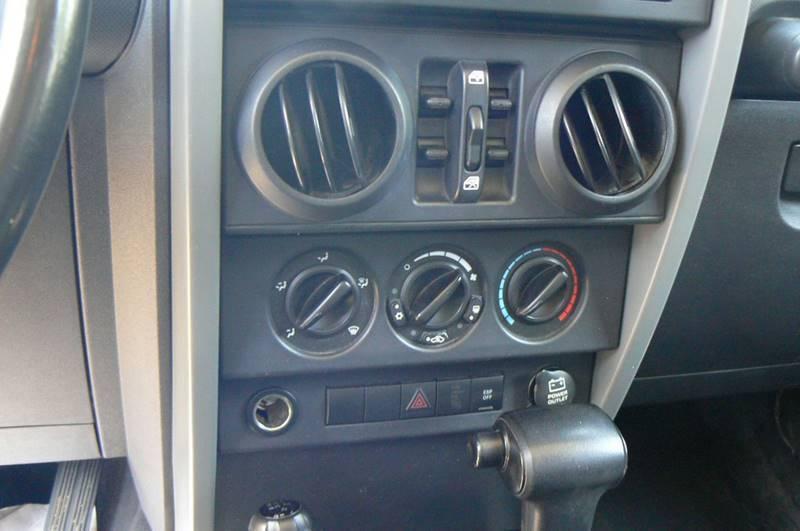 2007 Jeep Wrangler Unlimited 4x4 Sahara 4dr SUV - Fenton MI