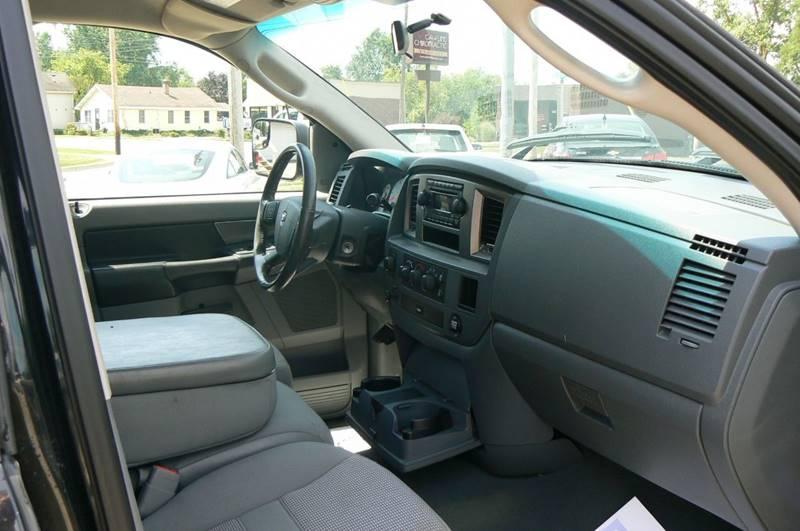 2008 Dodge Ram Pickup 1500 SLT 4dr Quad Cab 4WD SB - Fenton MI