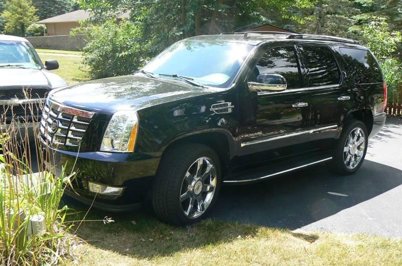 2012 Cadillac Escalade AWD Luxury 4dr SUV - Fenton MI