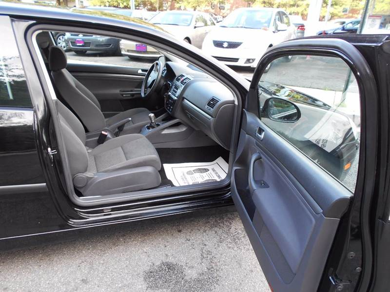 2007 Volkswagen Rabbit 2dr Hatchback (2.5L I5 5M) - Arlington VA
