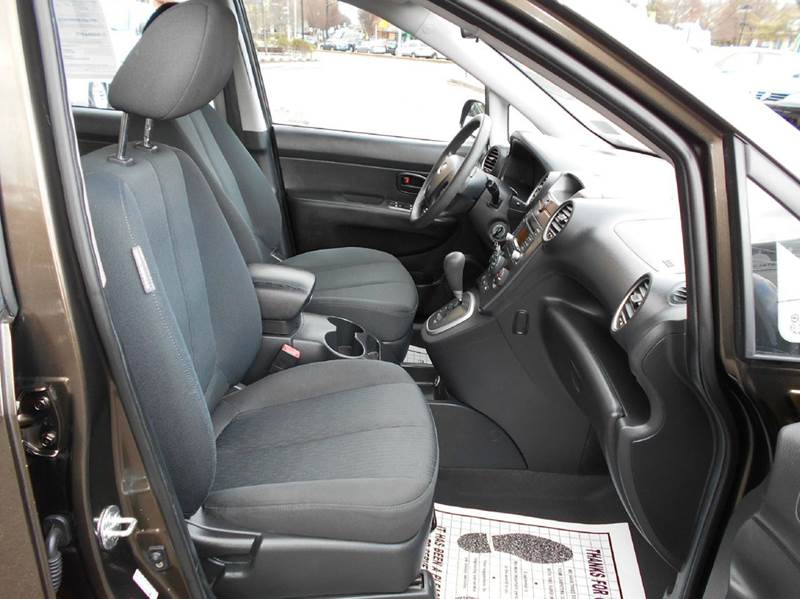 2009 Kia Rondo LX Crossover 4dr 4A - Arlington VA
