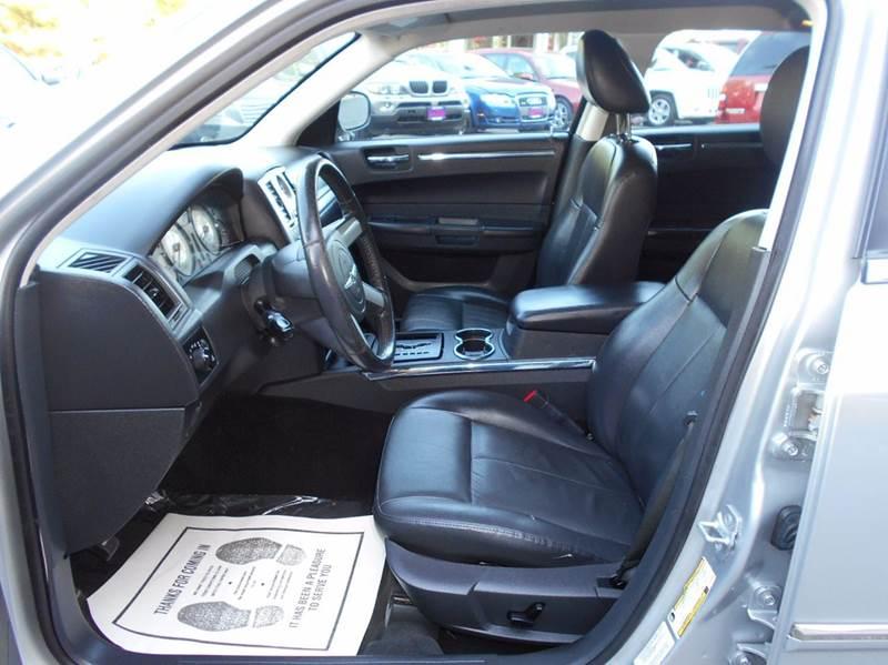2010 Chrysler 300 Touring 4dr Sedan - Arlington VA