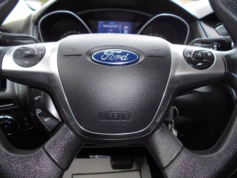2014 Ford Focus SE 4dr Sedan - Arlington VA