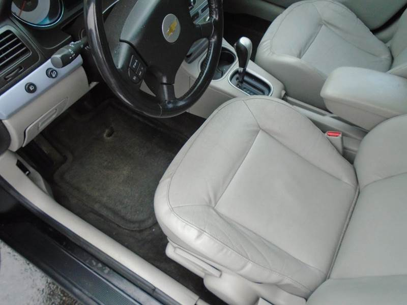 2005 Chevrolet Cobalt LS 4dr Sedan w/ Front Side Airbags - Dale WI