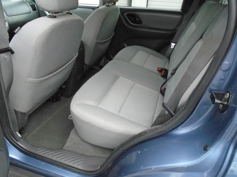 2006 Ford Escape AWD XLT 4dr SUV w/3.0L - Dale WI
