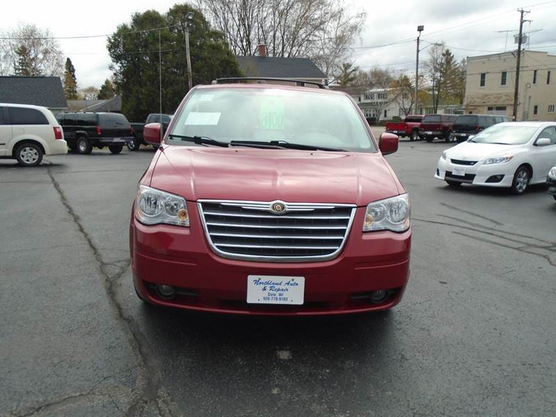2008 Chrysler Town and Country Touring 4dr Mini-Van - Dale WI