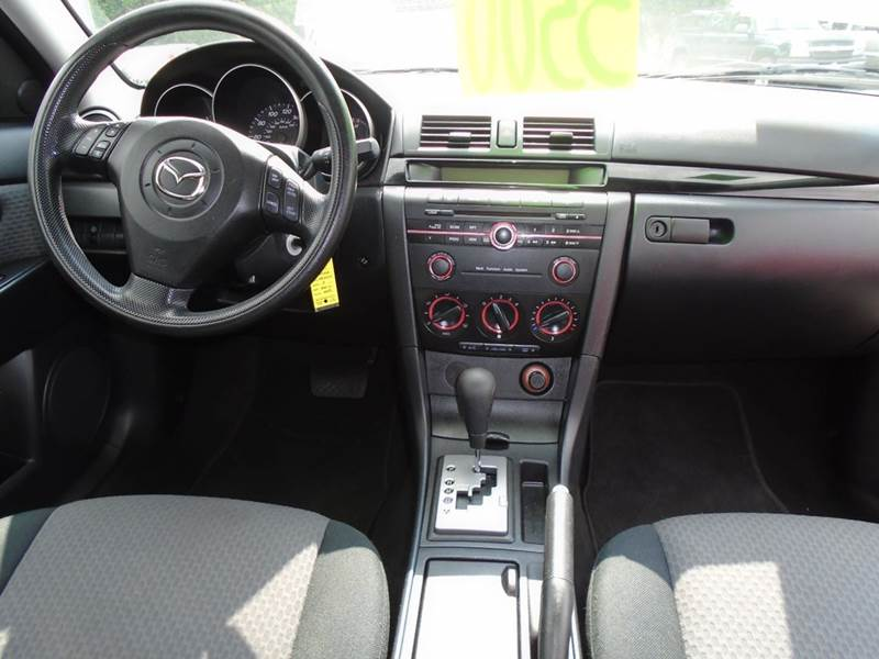 2006 Mazda MAZDA3 i 4dr Sedan - Dale WI