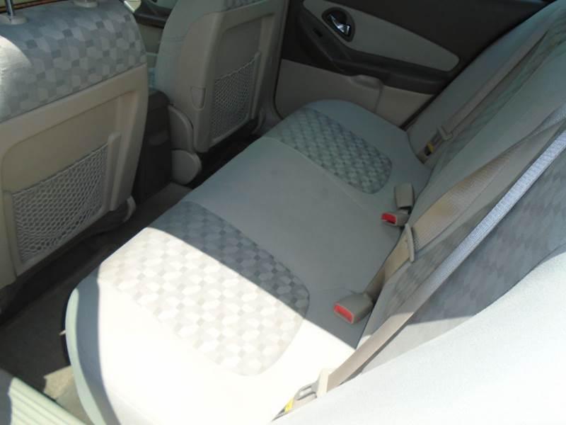 2004 Chevrolet Malibu LS 4dr Sedan - Dale WI