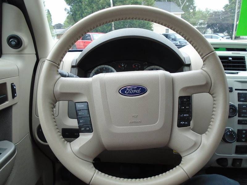 2009 Ford Escape AWD XLT 4dr SUV V6 - Dale WI
