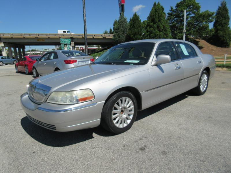 2003 Lincoln Town Car Signature 4dr Sedan - Spartanburg SC