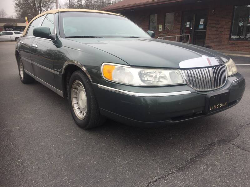 2001 Lincoln Town Car Executive In Louisville Ky King Louis Auto