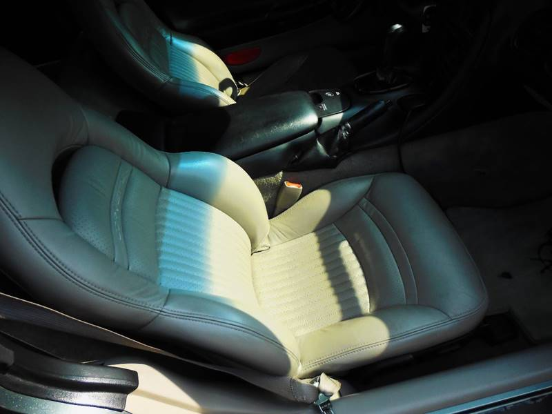 2003 Chevrolet Corvette 2dr Coupe - Waukesha WI