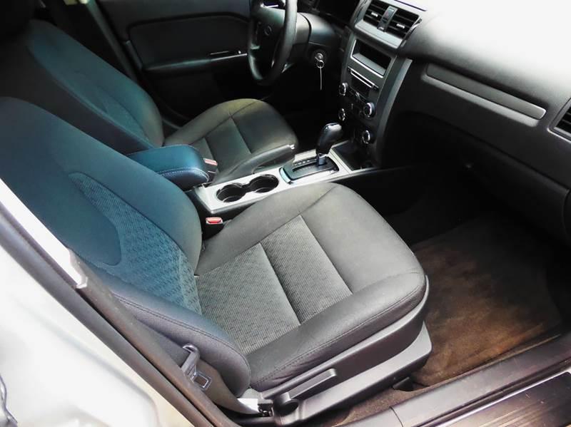 2011 Ford Fusion SE 4dr Sedan - Waukesha WI