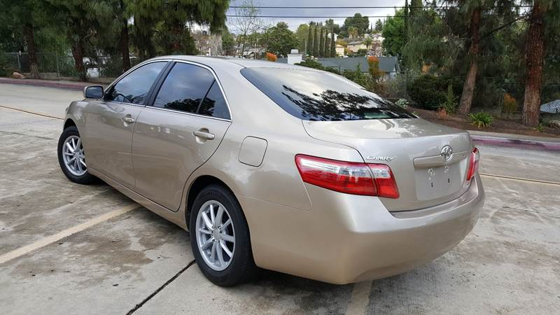 2007 Toyota Camry LE (image 4)