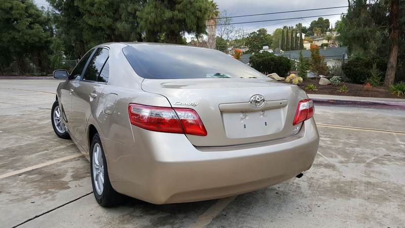 2007 Toyota Camry LE (image 25)