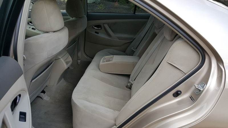2007 Toyota Camry LE (image 13)