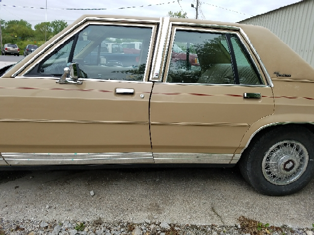 1986 Ford LTD Crown Victoria LX 4dr Sedan - Boonville MO