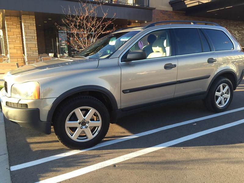 2003 Volvo XC90 for sale at You Win Auto in Burnsville MN