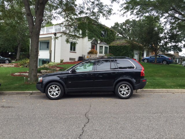 2006 Volvo XC90 for sale at You Win Auto in Burnsville MN