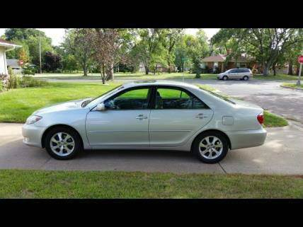 2006 Toyota Camry for sale at You Win Auto in Metro MN