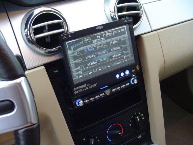 2006 Ford Mustang Gt Premium Coupe In Chanute Ks Cars R Usrhkscarsrus: Ford Mustang 2006 Radio At Elf-jo.com