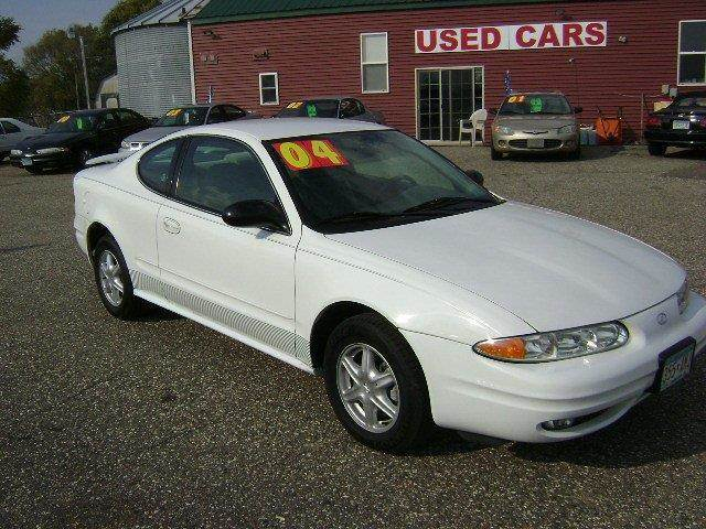 2004 Oldsmobile Alero for sale at Country Side Car Sales in Elk River MN