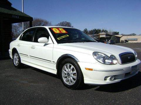 2005 Hyundai Sonata for sale at Country Side Car Sales in Elk River MN