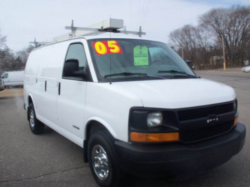 2005 Chevrolet Express Cargo for sale at Country Side Car Sales in Elk River MN