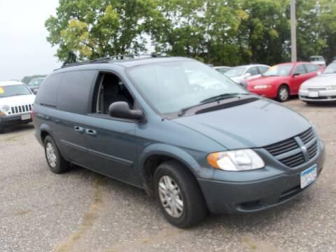 2005 Dodge Grand Caravan for sale at Country Side Car Sales in Elk River MN