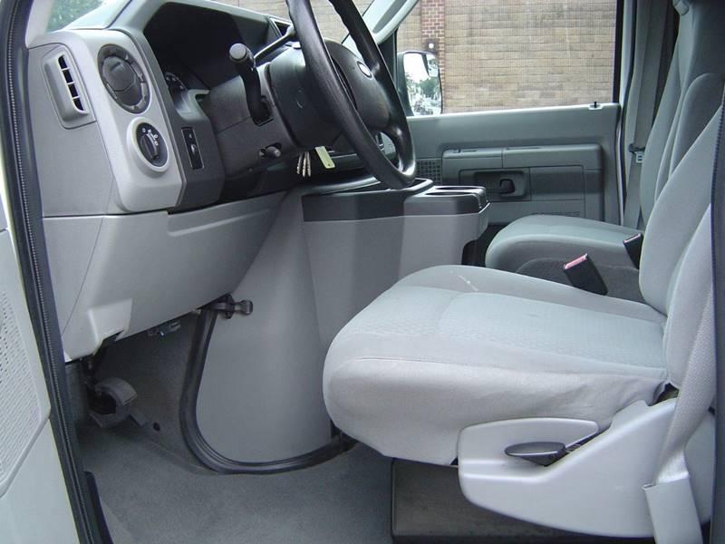 2010 Ford E-Series Wagon E-350 SD XLT 3dr Extended Passenger Van - Staten Island NY