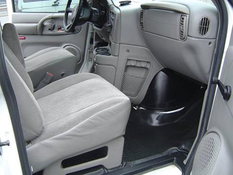 2005 GMC Safari Cargo