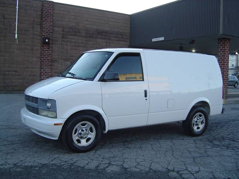 2004 Chevrolet Astro Cargo AWD 3dr Extended Cargo Mini-Van In Staten