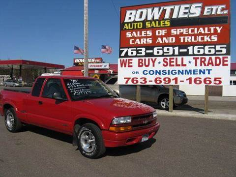 1998 Chevrolet S-10 for sale at Bowties ETC INC in Cambridge MN