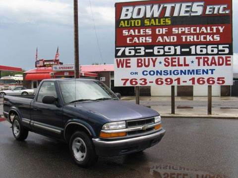 2000 Chevrolet S-10 for sale at Bowties ETC INC in Cambridge MN
