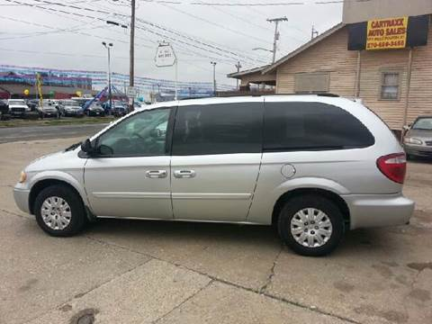 2006 Chrysler Town and Country for sale at Cartraxx Auto Sales in Owensboro KY