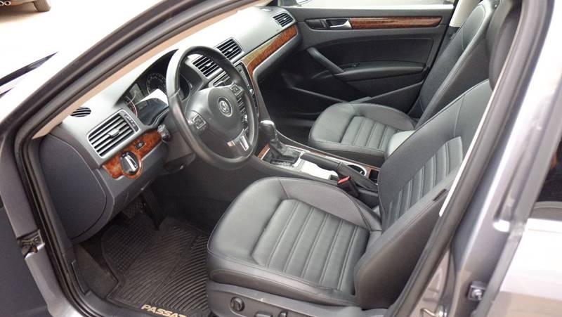 2013 Volkswagen Passat SEL Premium PZEV 4dr Sedan 6A - Englewood CO