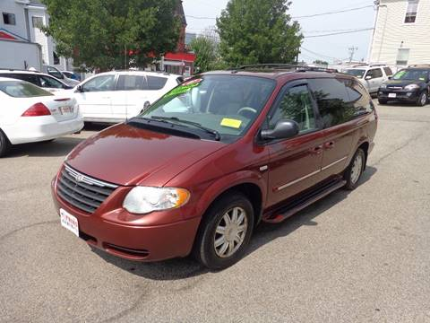 2007 Chrysler Town and Country for sale at FRIAS AUTO SALES LLC in Lawrence MA