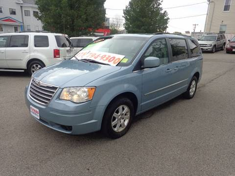 2009 Chrysler Town and Country for sale in Lawrence, MA